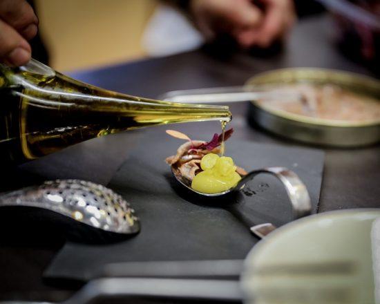 Unser selbstgemachte Pintxo: El Bulli Olive mit Anchovis